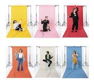6 models on coloured backdrops